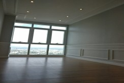 Sequoia Tower BGC Two Serendra 2 bedrooms Finished with Park